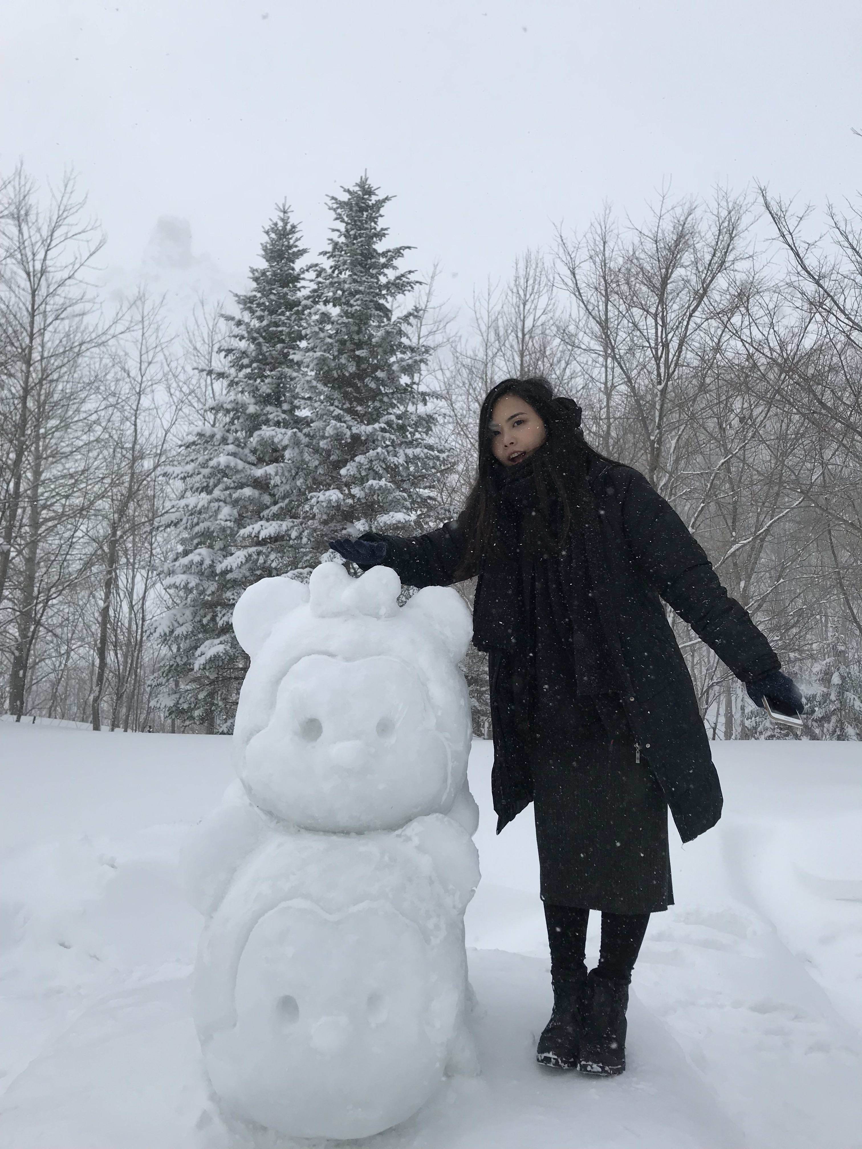 有珠山山上的雪雕,取自:Ann Shih。
