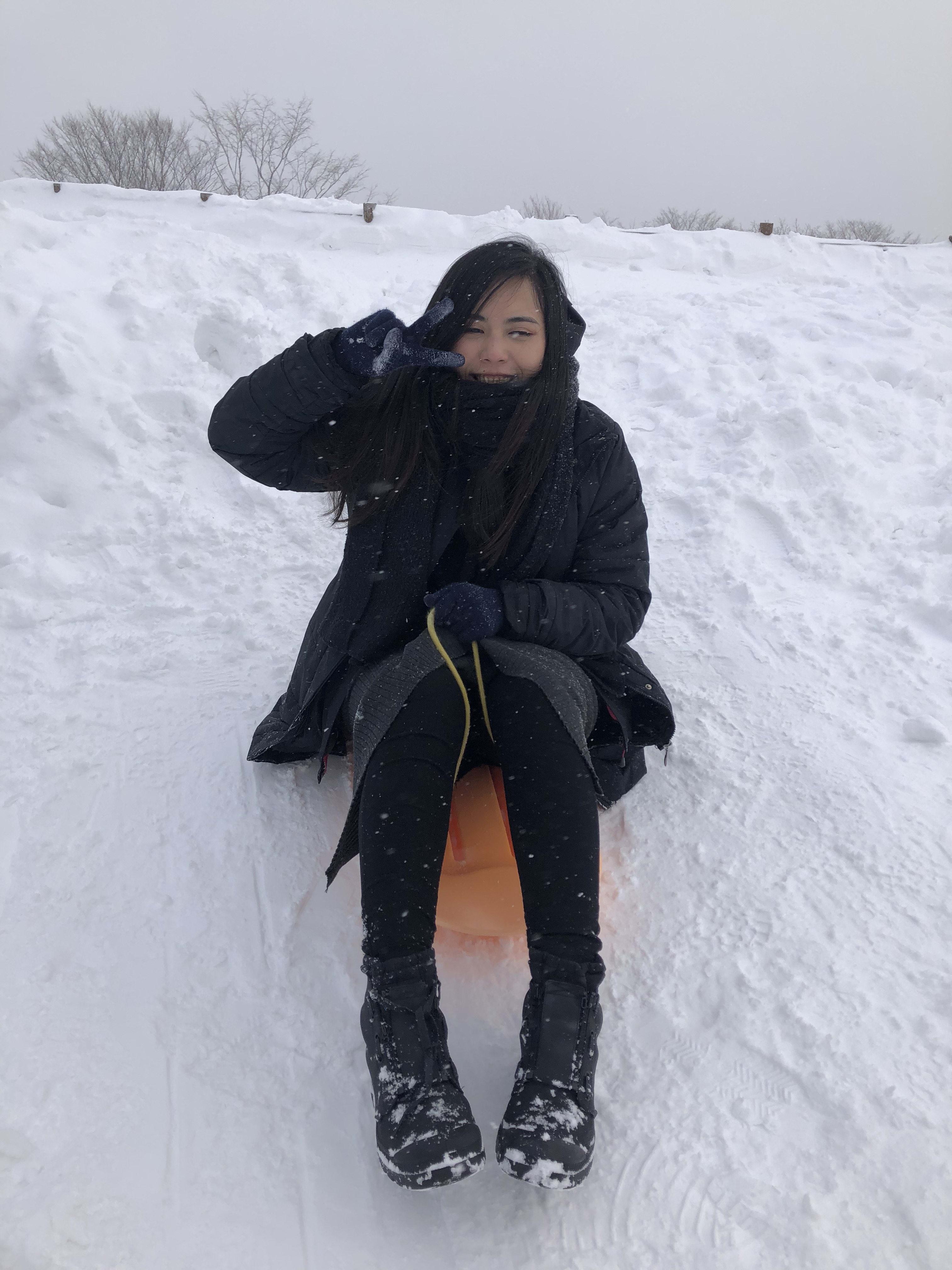 有珠山山上雪橇,取自:Ann Shih。