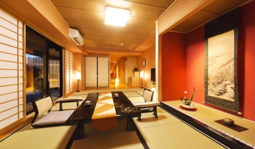 Ryokan Kanade和室房(照片來源:HotelsCombined)https://bit.ly/2Mi2lnB