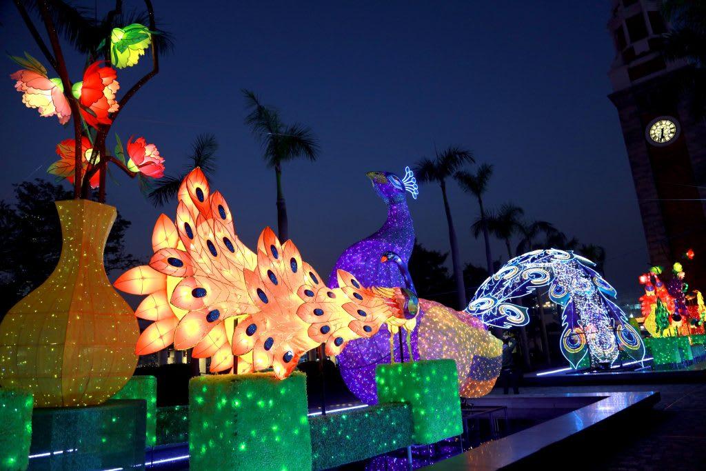 香港文化中心露天廣場2019春節綵燈展,圖片取自www.hkcna.hk。