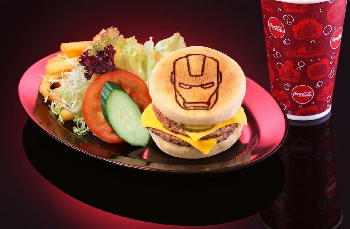 英雄漢堡套餐,圖片取自香港迪士尼樂園IG。