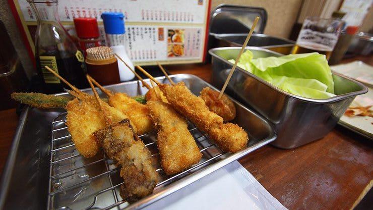 串炸的一級戰區-新世界商店街 來源:www.japan-guide.com
