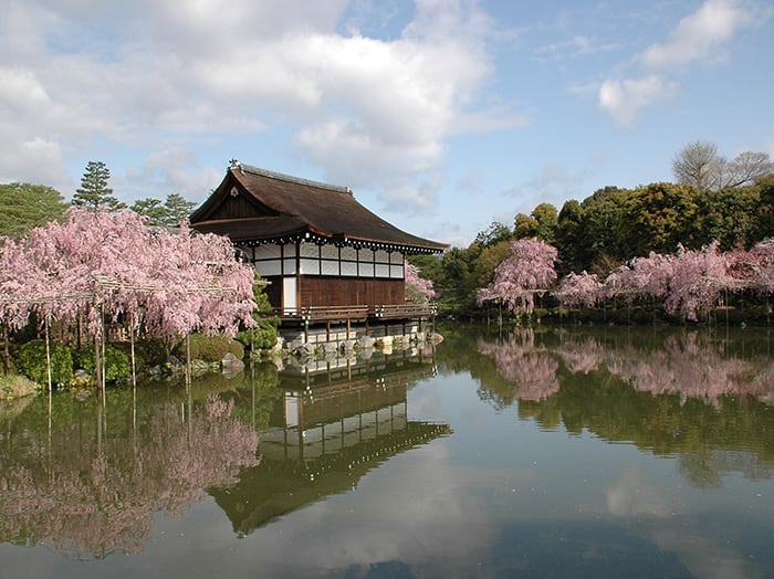 春天的平安神宮 來源:www.kyototourism.org