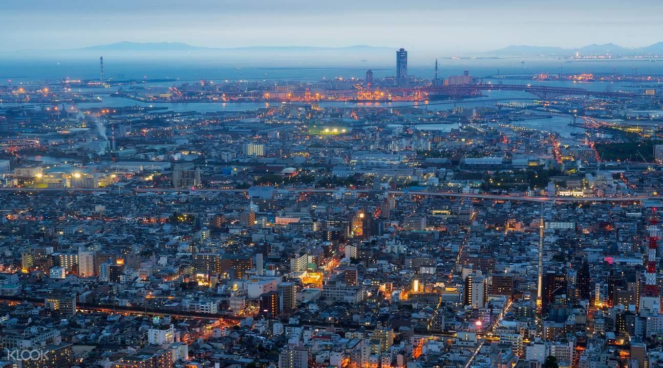 傍晚時分前來阿倍野HARUKAS,還可同時捕捉到夕陽跟夜景