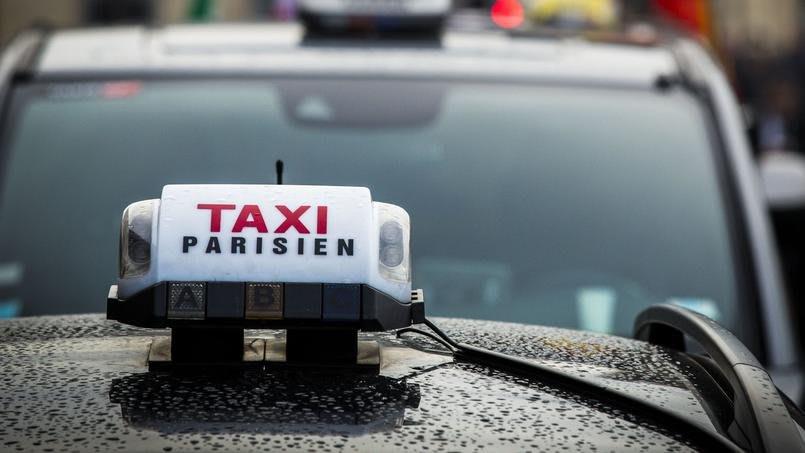 要搭計程車,千萬確認一下是否有執照。(圖片取自read01.com)
