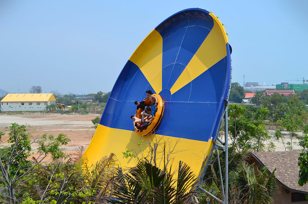 高達20 公尺高的 Boomerango|圖片來源:whitewaterwest