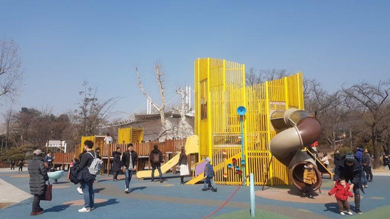 兒童大公園遊樂場,Photo by Artshen