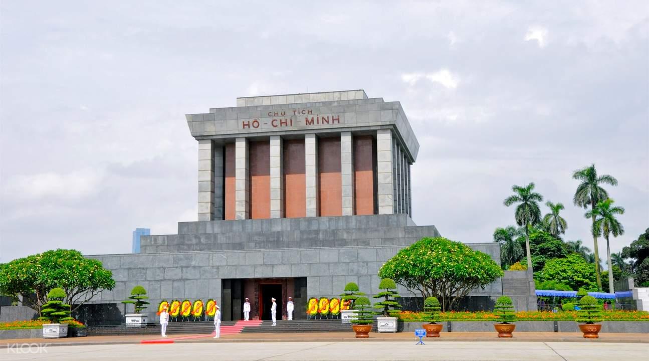 經典越南風格建築,供人們紀念和瞻仰的胡志明陵墓
