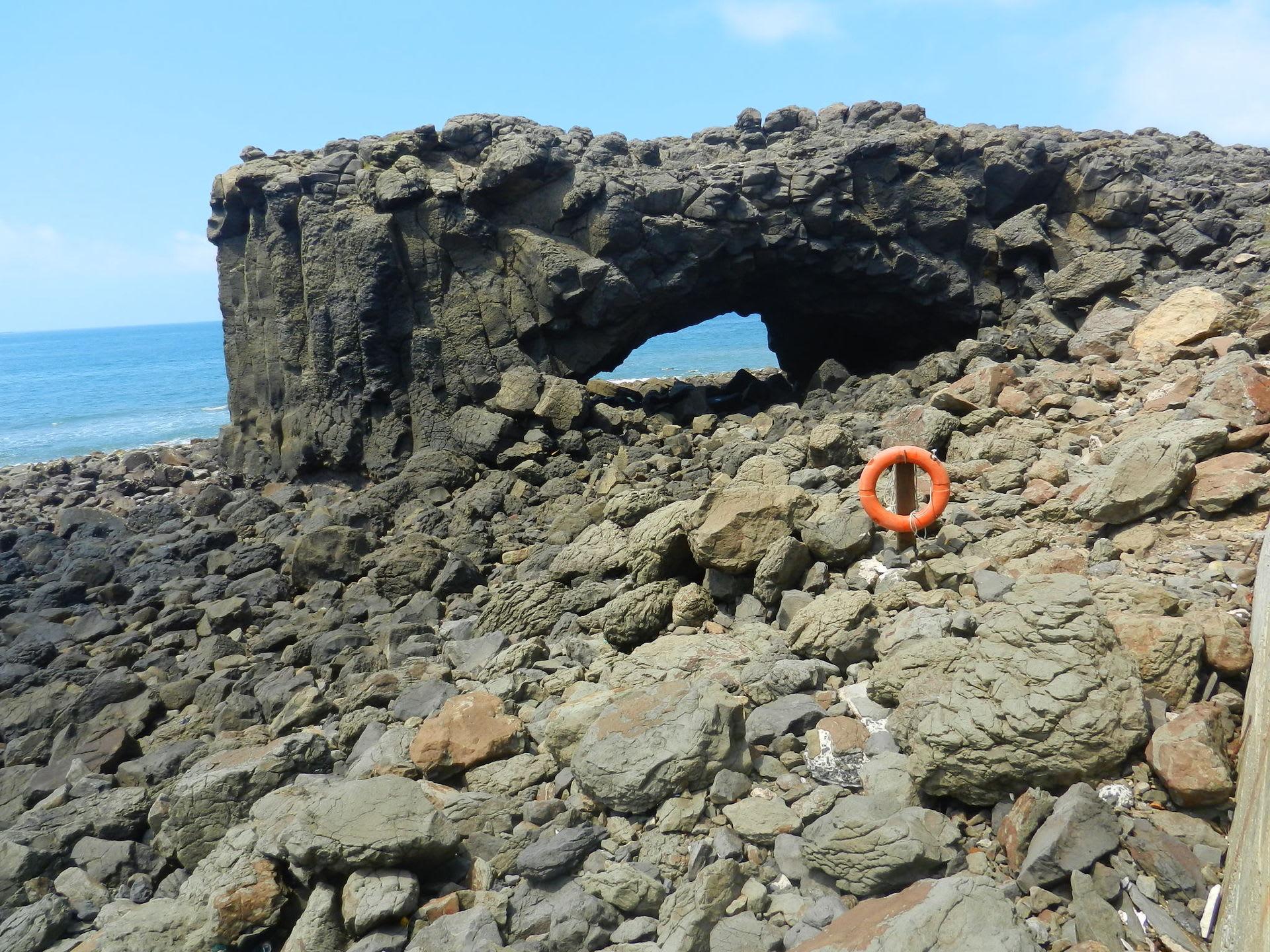 鯨魚洞,圖片取自zh.wikipedia.org。