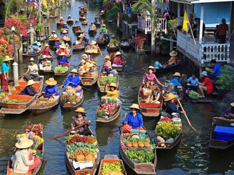 安帕瓦水上市場,圖片取自mythailandtours.com。