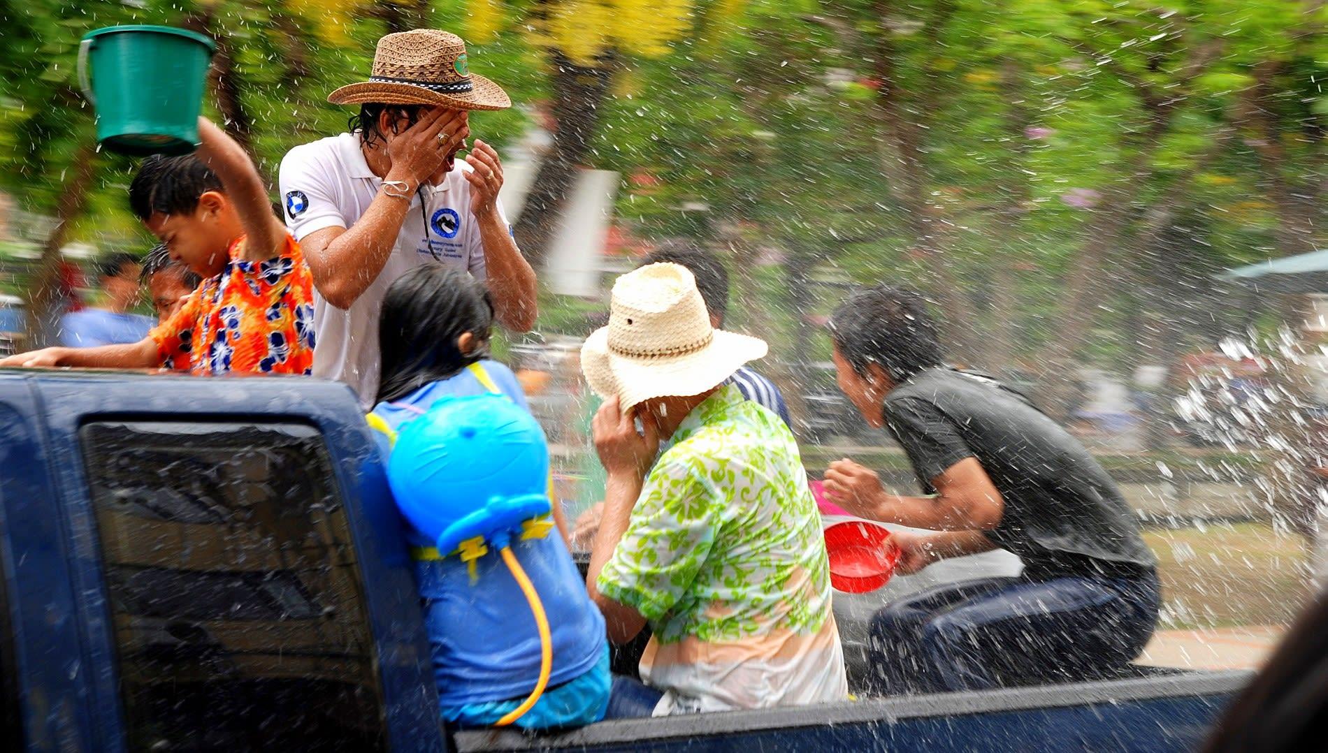 潑水節是泰國慶祝新年的一個重要活動。(圖片取自維基百科)