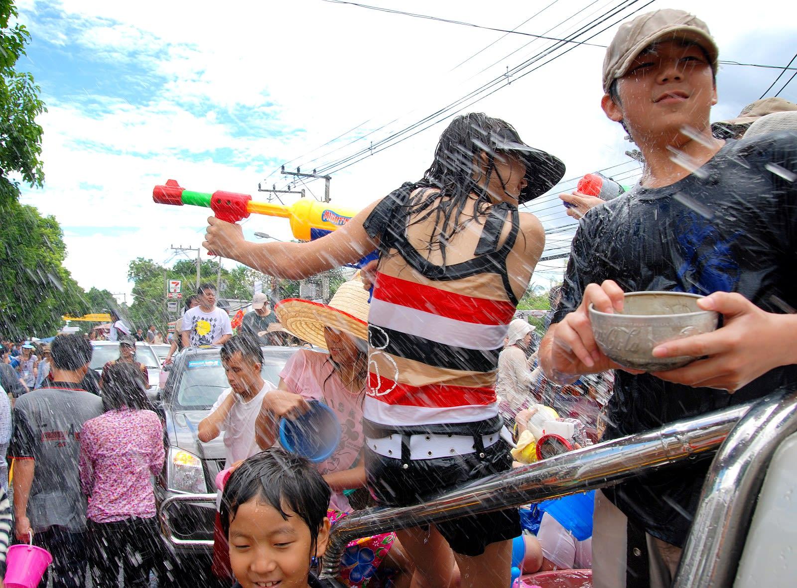 【泰國自由行】2019泰國潑水節懶人包!日期、住宿、行程、穿著一次搞定圖片取自維基百科。