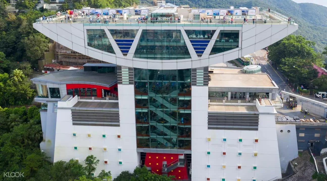 ▲ 可欣賞維港美景,同時遊覽蠟像館的太平山頂是許多人造訪香港的必到之處。