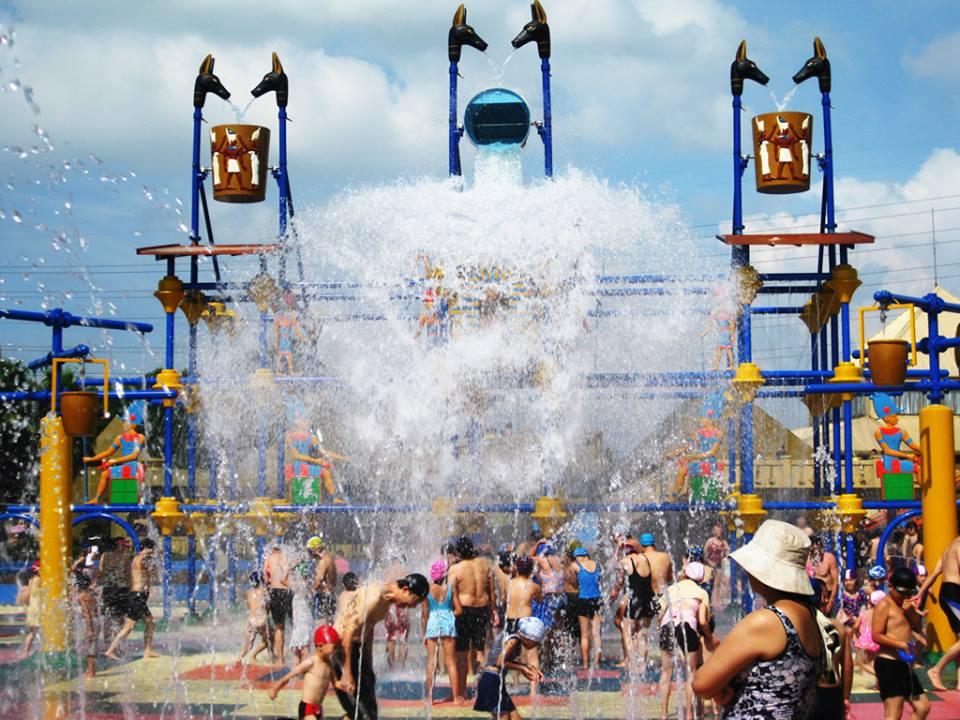 夏天就是要這麼瘋狂的玩水才過癮。(圖片取自小人國主題樂園官方FB粉絲團)