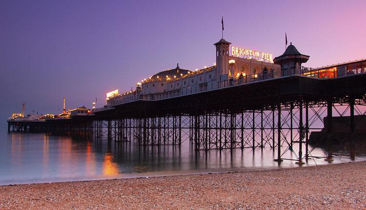 Brighton Palace Pier,照片來自Visit Brighton官網,https://s.yam.com/NQ3J4