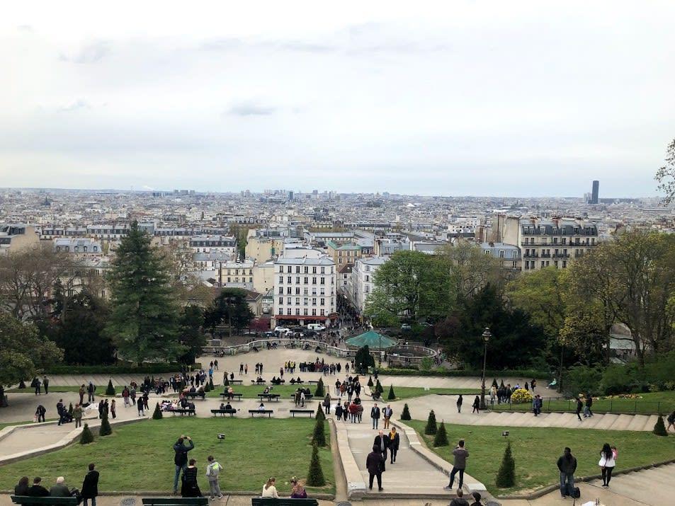 遠眺整個巴黎市區|PC: Zach