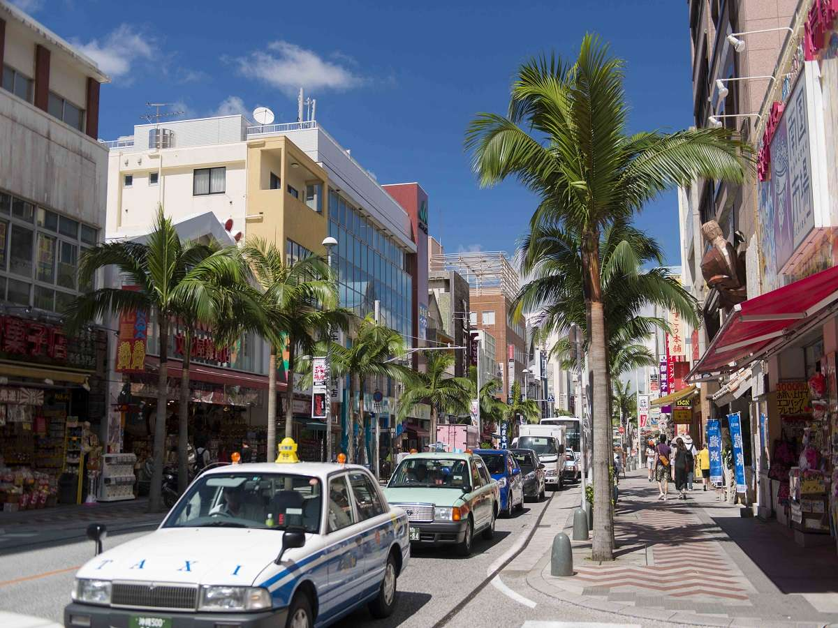圖片取自https://www.jalan.net/tn/japan_hotels_ryokan/Hotels/Okinawa_Hotels/Naha_Hotels/Naha_Hotels/apa_hotel_naha/