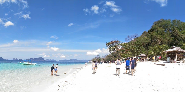 擁抱藍天、大海、潔白沙灘。(圖片取自https://www.trover.com/d/1oQLC-seven-commandos-beach-el-nido-philippines)