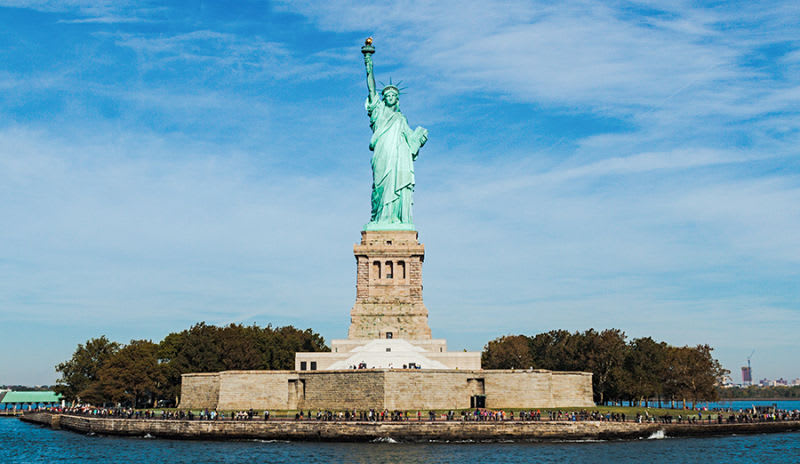 圖片取自https://www.takewalks.com/new-york-tours/statue-of-liberty-tour-ellis-island-tour/