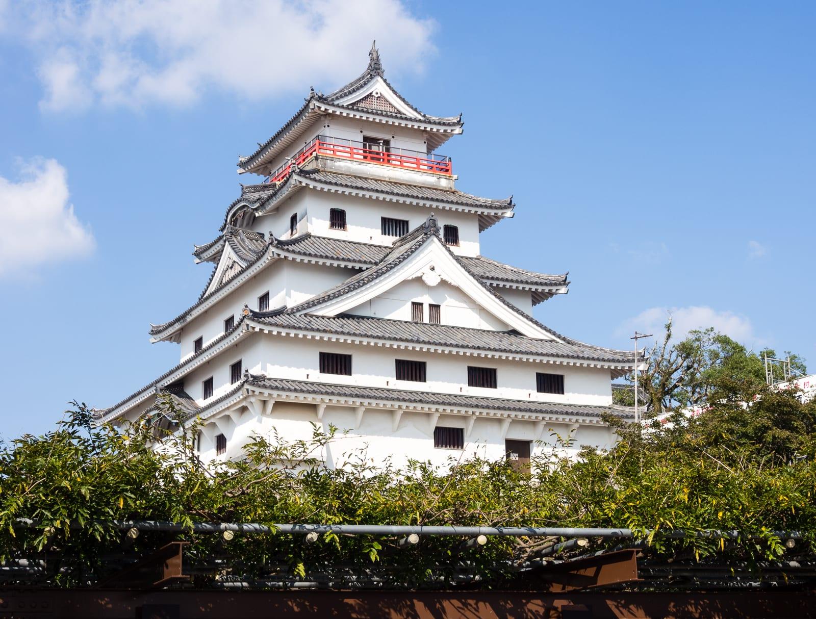 唐津城是由豐臣秀吉的家臣寺澤廣高於江戶時代所建造完成。SOURCE:AMENOHI TRAVELS
