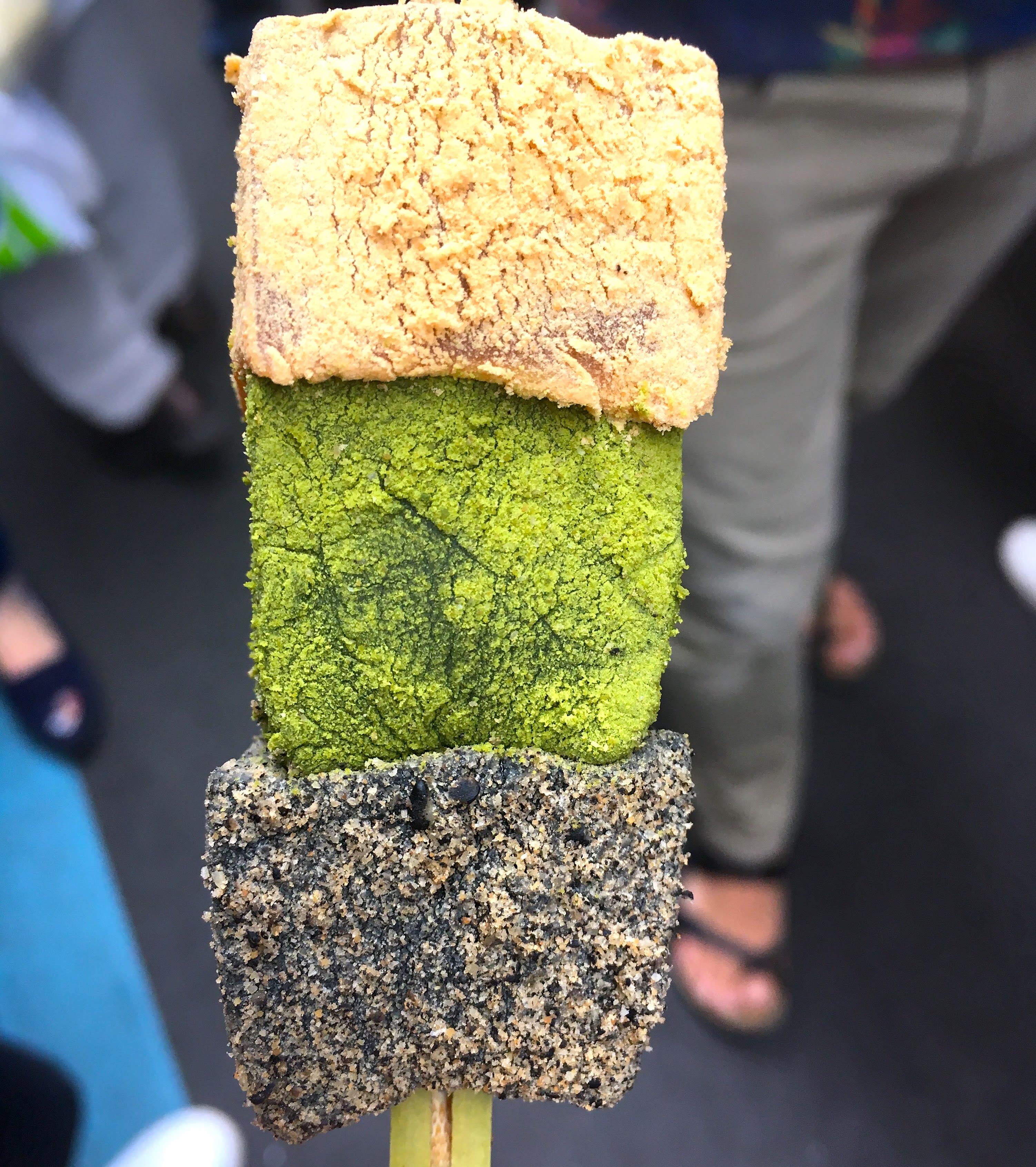 「蕨餅」是很適合解油膩的小點。(圖片取自valepra0330)