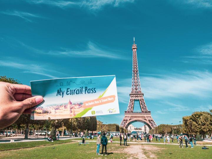 巴黎最經典的景點艾菲爾鐵塔