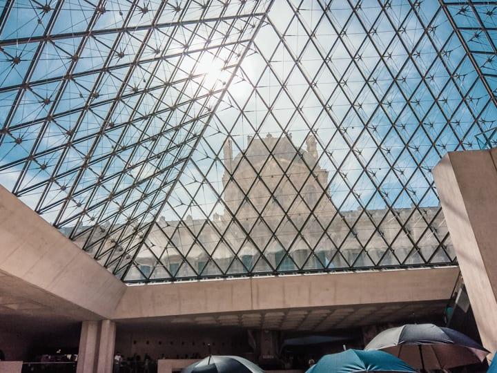 羅浮宮鏤空金字塔