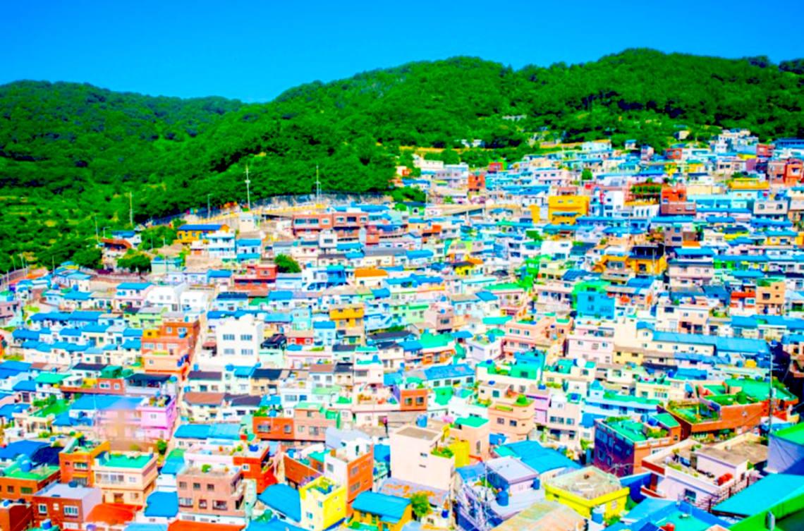 韓國釜山最著名的景點是甘川洞文化村