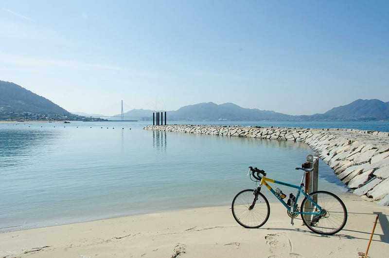 島波海道由數座跨海大橋串連而成,全線設有自行車道,是許多自行車友夢寐以求之地。