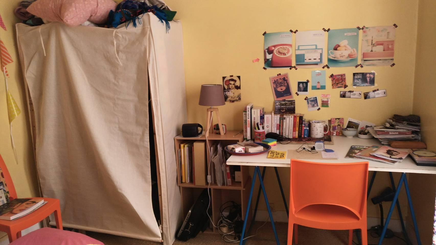 法國巴黎位於第13區的Airbnb之書桌及衣櫃 photo by 倍包客