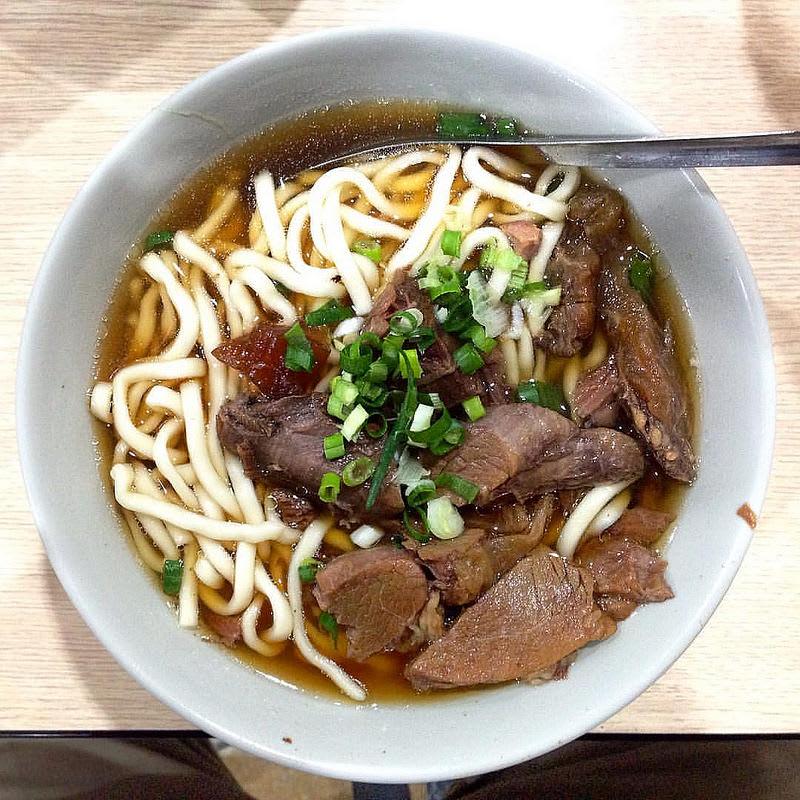 台北宵夜何處吃 富 宏 牛 肉 麵。