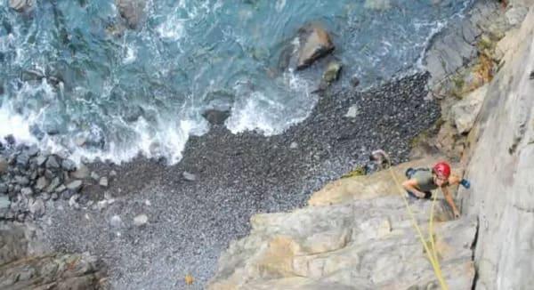 往 下 看 就 是 海 景 , 是 否 有 點 刺 激 ?