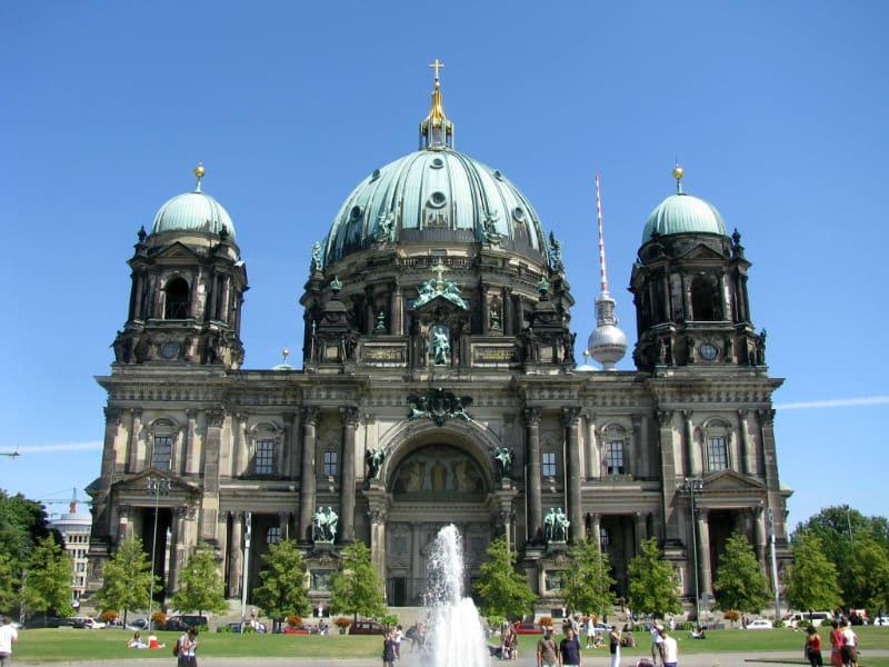 柏 林 大 教 堂 。