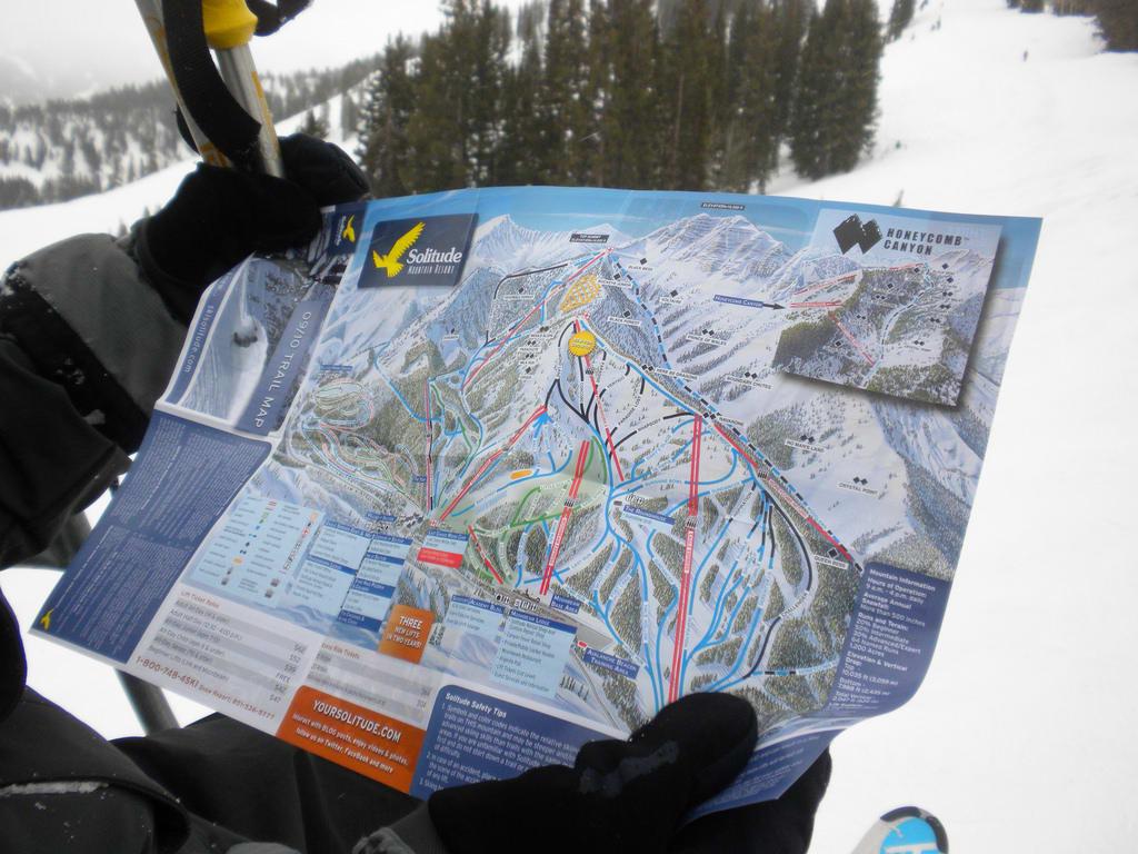 滑 雪 前 必 須 詳 讀 滑 雪 場 地 圖,了 解 滑 雪 場 環 境。