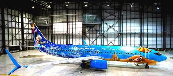 夏 威 夷 造 型 西 捷 航 空 。