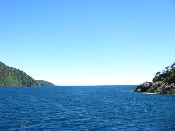 塔 斯 曼 海。