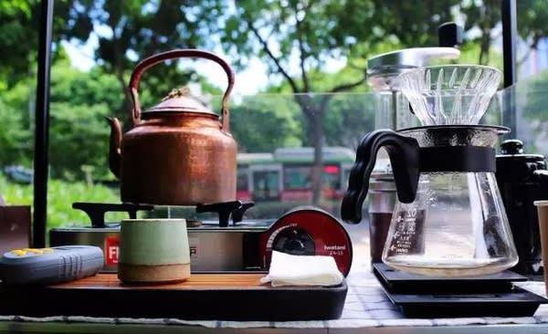 咖 啡 器 具 。