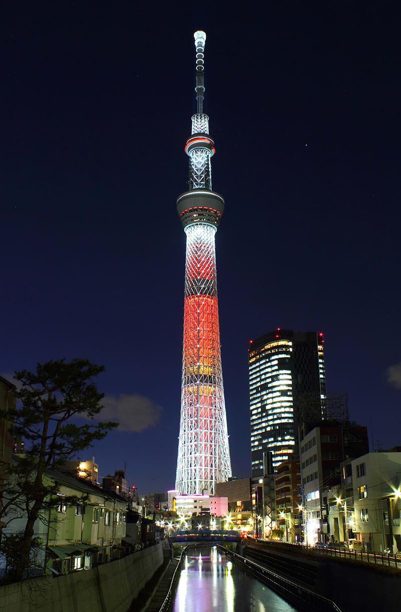 夜晚的晴空塔。|來源:維基百科