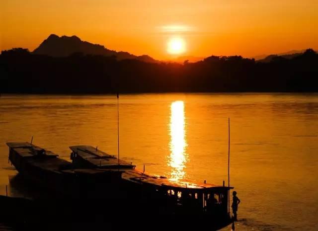 湄 公 河 龍 坡 邦 的 日 落 | flickr@เดฟ Dave