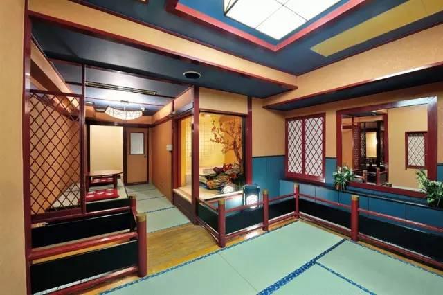 日 式 大 廳 | 背 包 客 棧