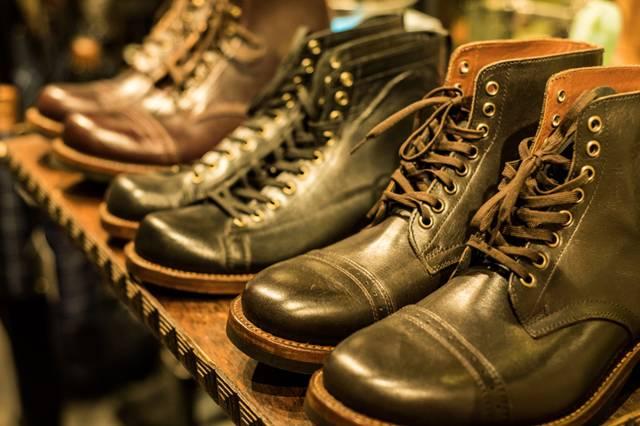 帥 氣 工 作 靴 。