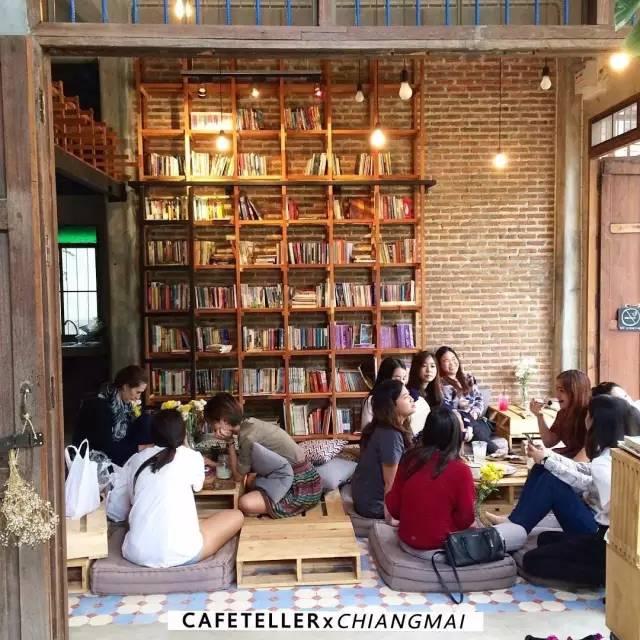咖 啡 店 店 內 一 隅 。