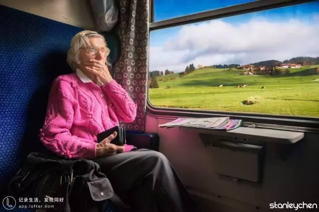 歐 洲 火 車 。