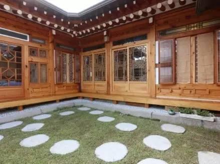 寬 敞 的 庭 院 空 間 | http://www.iqiyi.com/