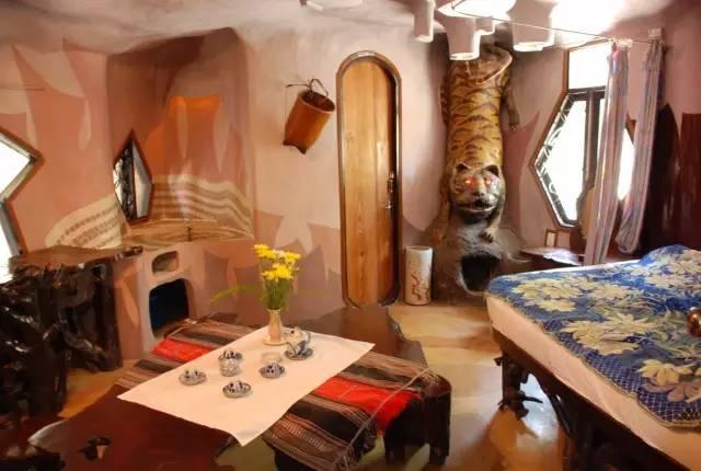 夢幻飯店 以 不 同 的 動 物 為 主 題 , 打 造 出 一 間 間 不 同 風 格 的 房 間 。