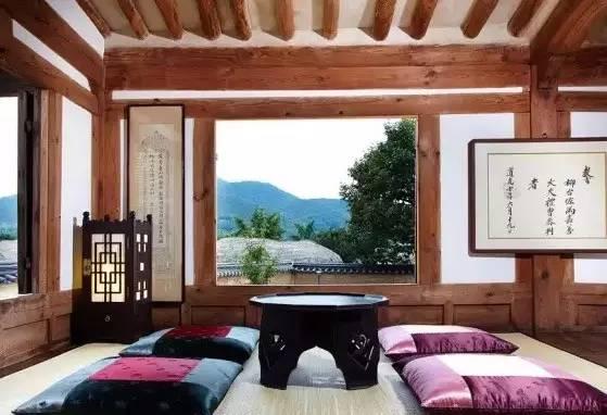 在 安 東 市 的 北 村 宅 , 靜 靜 地 放 鬆 心 情 , 讀 一 本書 ,  喝 一 杯 茶 , 偷 得 浮 生 半 日 閒。