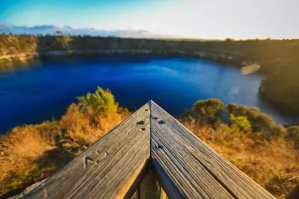 像 是 Blue Lake。