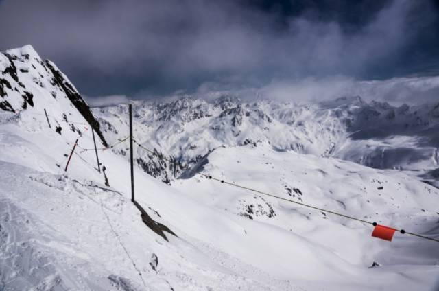 安 德 馬 特 一 直 到 五 月 都 還 能 滑 雪|www.theriverhouse.ch