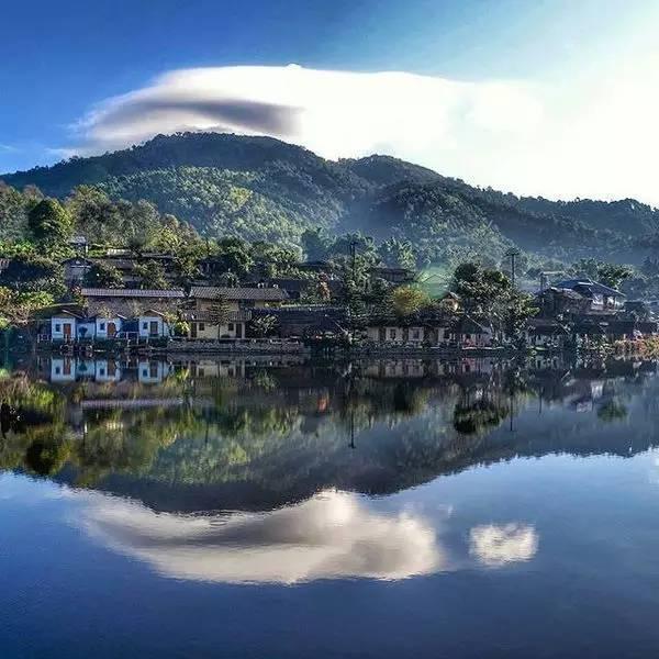 雲 南 風 味 小 村 落 , 座 落 在 泰 緬 交 界 ( Instagram : bangkoknightscom )