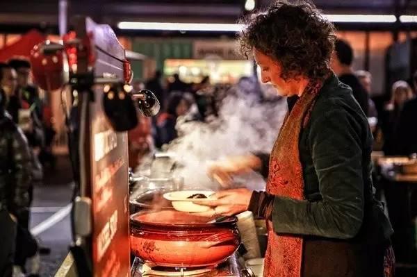 澳 洲 這 個 移 民 國 家 的 優 勢 在 美 食 上 發 揮 的 淋 漓 盡 致 。